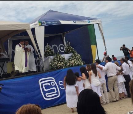 Con dos misas recuerdan un año de la muerte de Sharon
