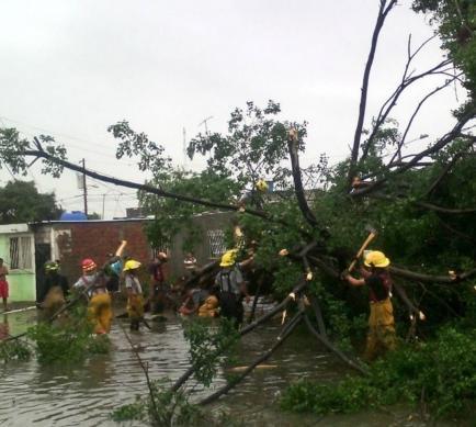 Intensas lluvias causan estragos en Guayaquil y Durán