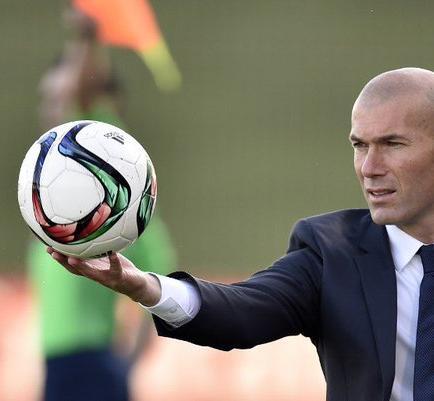 Zinedine Zidane sustituirá a Rafa Benítez en el Real Madrid