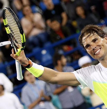 Nadal consigue una sufrida victoria ante Carreño en tres sets