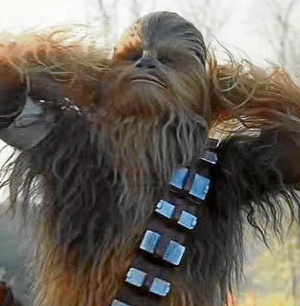 'Star Wars' ya superó a 'Spectre' y es el filme que arrasa en taquilla