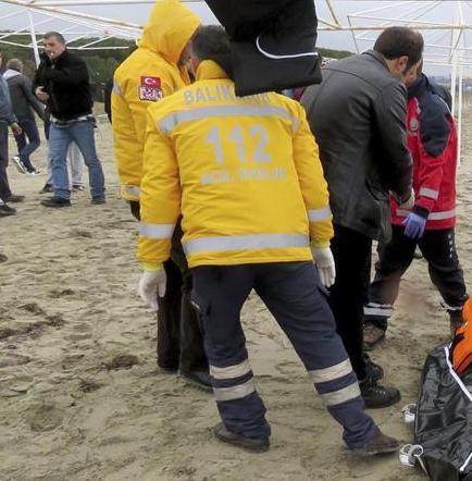 Mueren 20 refugiados al tratar de llegar a Grecia desde Turquía