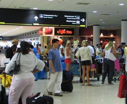 El aeropuerto de Miami logra un récord diario de pasajeros