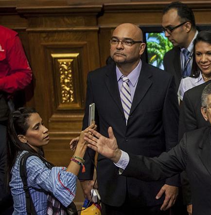 Nueva asamblea tratará de poner fin al gobierno