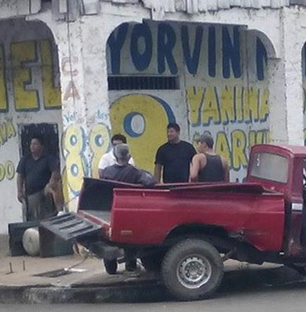 Un herido en choque de camionetas