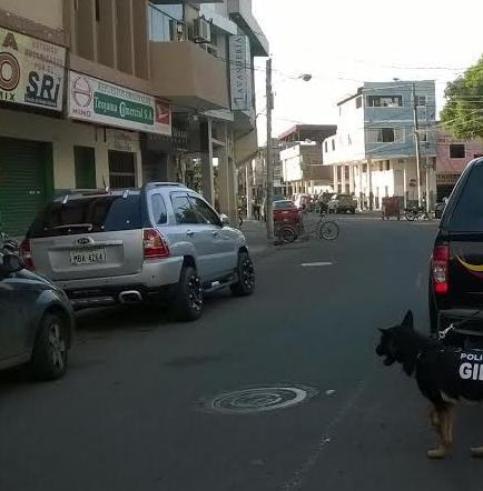 Policía detona una falsa bomba en el centro de Portoviejo