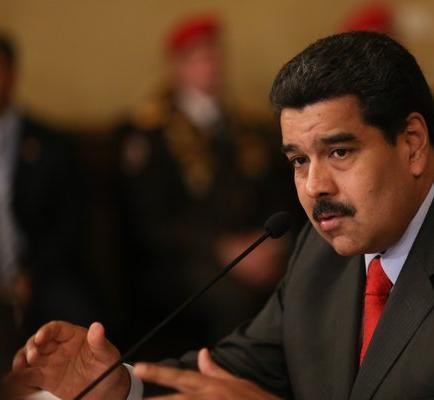 Maduro nombra nuevo vicepresidente económico y crea nuevos ministerios