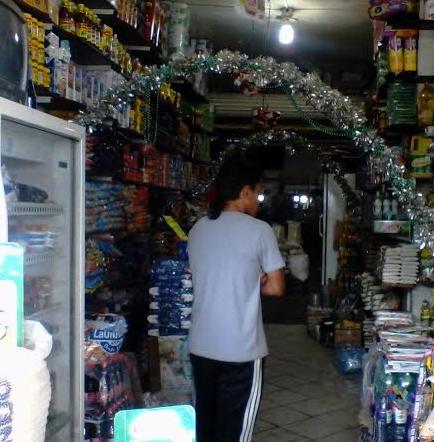 Roban en local comercial de El Carmen