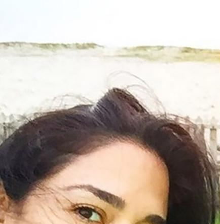 Flor María Palomeque disfruta de la playa y la cuida