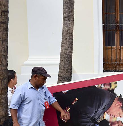 Maduro reta a   un referéndum