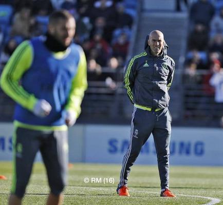 Zinedine Zidane contó con toda la plantilla del Real Madrid