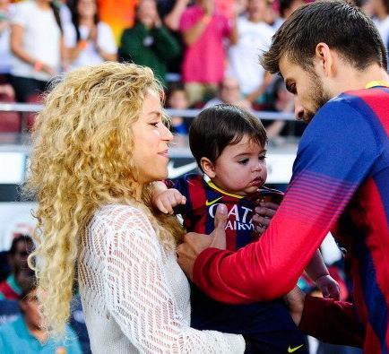 Piqué recuerda los insultos de la afición del Espanyol a su mujer y a su hijo