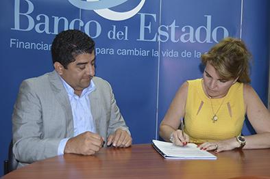 Pedernales y Puerto López reciben créditos