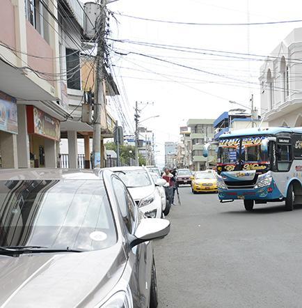 Buses cambian ruta por trabajos en vía