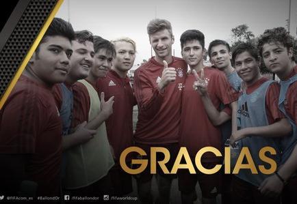 La FIFA premia a todos los clubes que ayudan a los refugiados