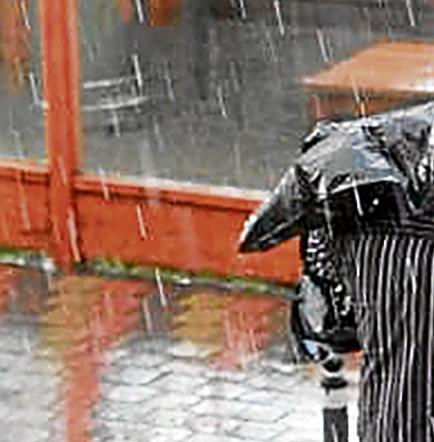 Lluvias toman por sorpresa a ciudadanos