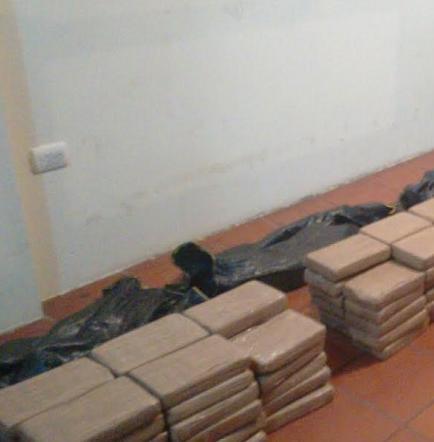 Incautan 260 paquetes de droga en Crucita
