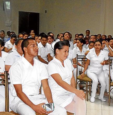 Gradúan a 225 enfermeros