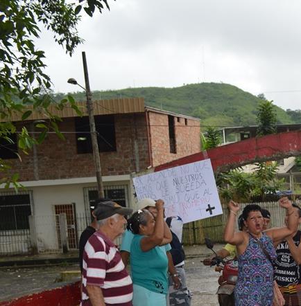 Protestan y cierran puente tras muerte de un ciudadano