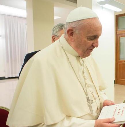 El papa Francisco pide una Iglesia cercana a divorciados y gays