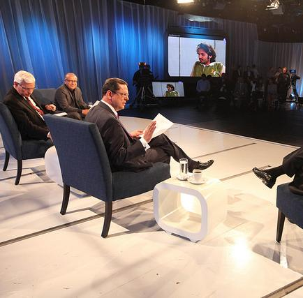 Correa: Ecuador saldrá adelante pese a la baja del petróleo