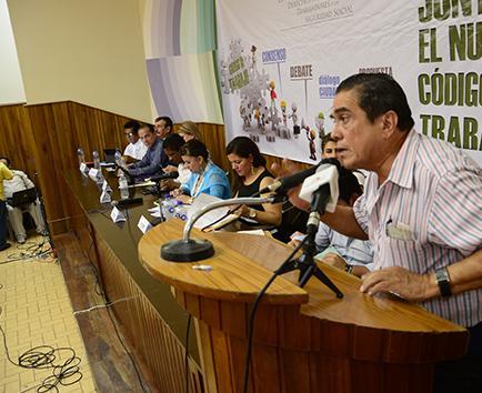 La Federación de  Trabajadores pide  audiencia con Correa
