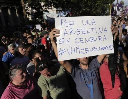 Protestan contra Macri tras despido de periodista
