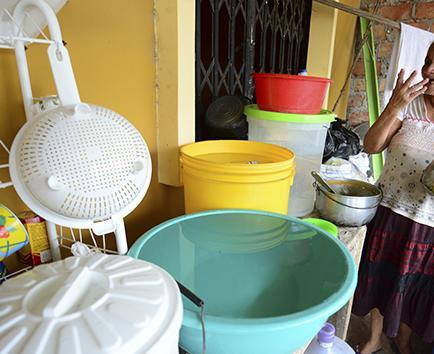 """""""Rezan"""" para que el corte de agua potable sea mínimo"""