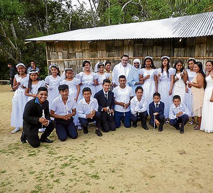 Habitantes de la zona rural de Paján efectúan la Primera Comunión
