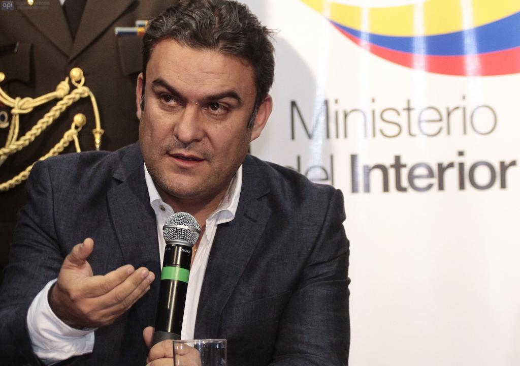 Ministro serrano estar a dispuesto a ser candidato for Escuchas ministro del interior