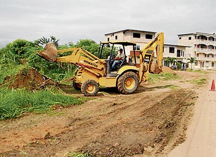 Arrancan trabajos de construcción de aceras y bordillos