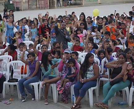 Soberanas  festejan a  400 niños