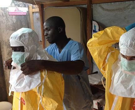Al menos un centenar de personas en cuarentena por ébola