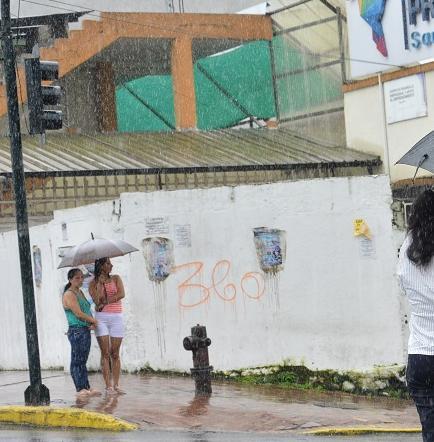 ¿Por qué no para de llover en Santo Domingo?
