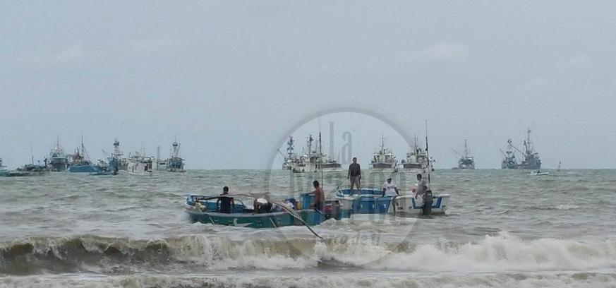 Fuerte oleaje causa daños en Piedra Larga y en otras playas se toman medidas de prevención