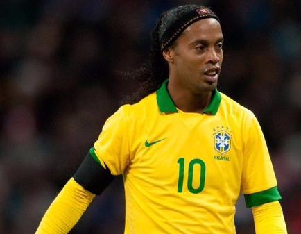 Ronaldinho sí estaría en la 'Noche Amarilla'