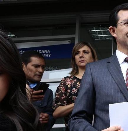 Asambleísta Fernando Torres presenta demanda por enmiendas a la Constitución