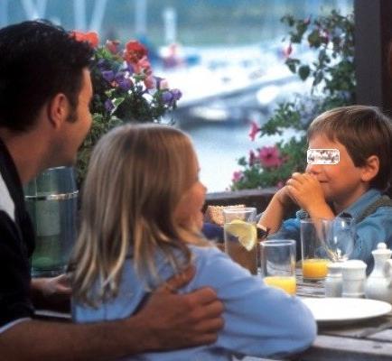 Restaurante romano causa polémica al rechazar a menores de 5 años