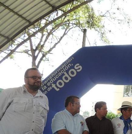 Viceministro de Educación visita Jipijapa y firma acuerdo