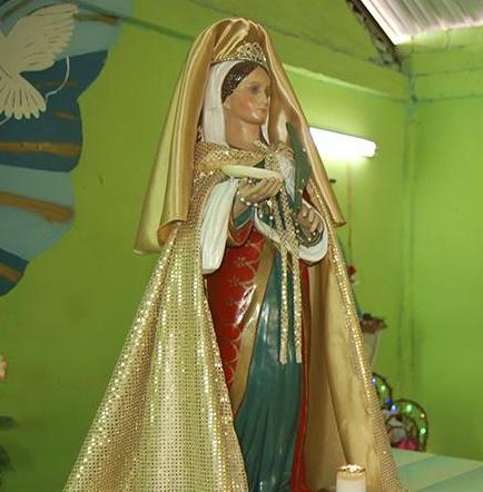 Santa Lucía llora y asombra a los fieles católicos
