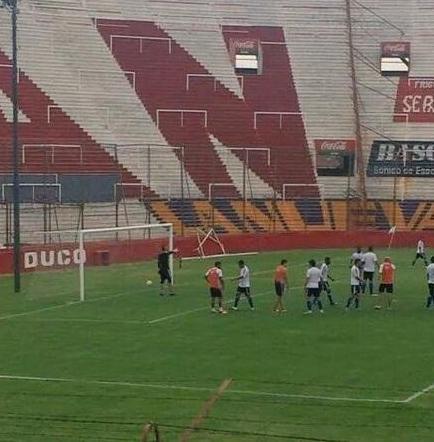 Emelec empata sin goles con el club argentino Huracán