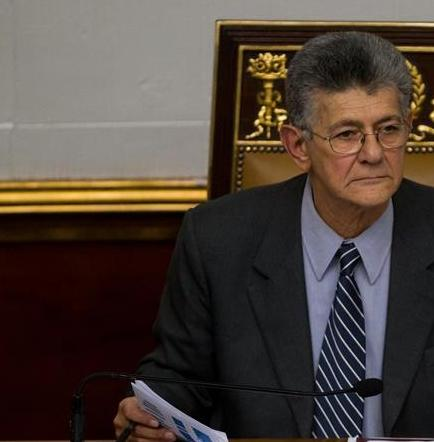 Ramos Allup afirma que decreto de emergencia de Maduro es 'más de lo mismo'