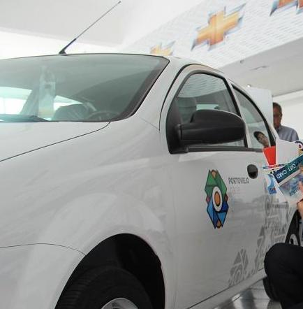 La Reina de Manabí recibió el carro y 21 premios más