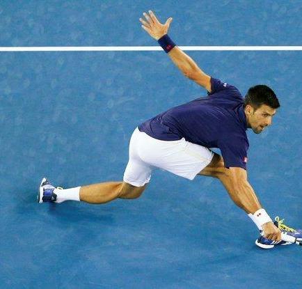 Djokovic avanza a octavos de final tras ganar a Seppi en tres mangas