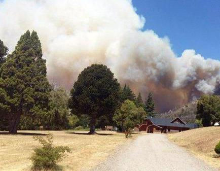 Un incendio arrasa unas 1.200 hectáreas del parque argentino Los Alerces