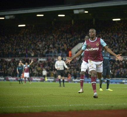 Enner Valencia anota doblete en partido West Ham vs. Manchester City