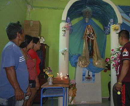 Devotos esperan otra manifestación de la imagen de Santa Lucía