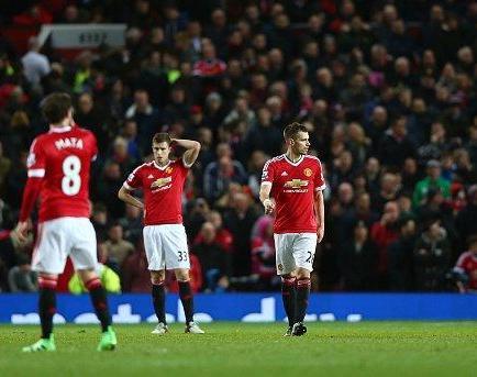 El Manchester United tropieza con el Southampton y peligra Van Gaal (0-1)
