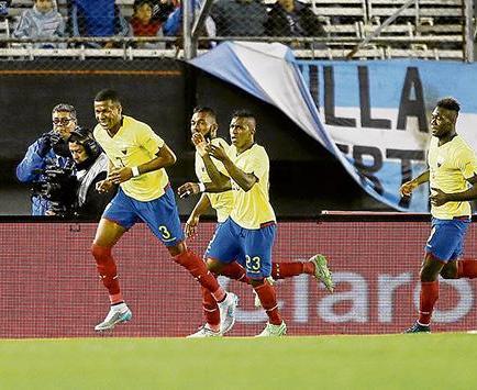 La selección de Ecuador sigue en el puesto 13 del ranking fifa