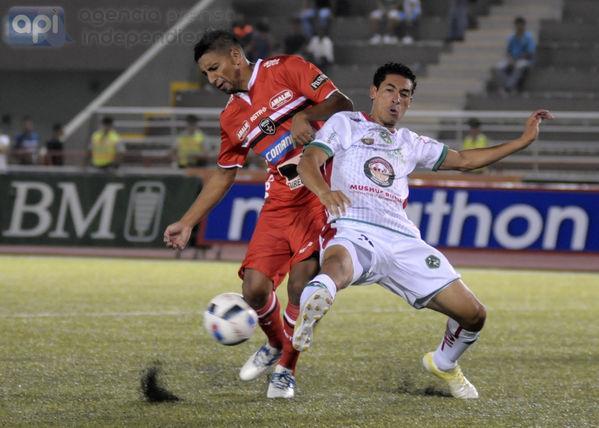 River Ecuador venció 3-1 al Mushuc Runa en el inicio de campeonato